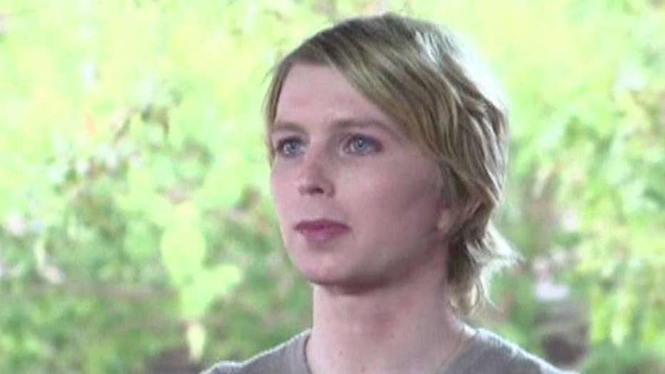 Chelsea Manning Sexy photo 22