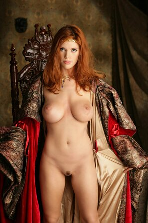 Game Of Thrones Topless photo 12
