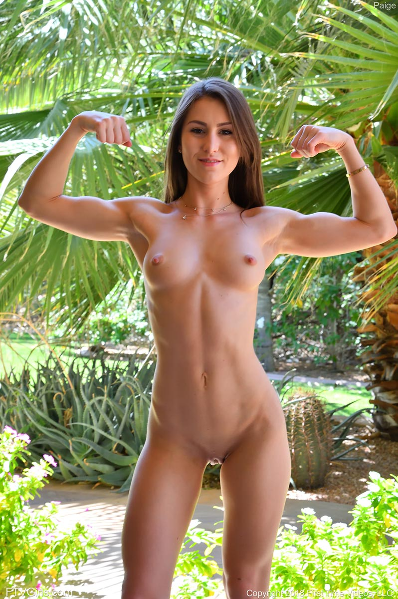 Fit And Nude photo 8
