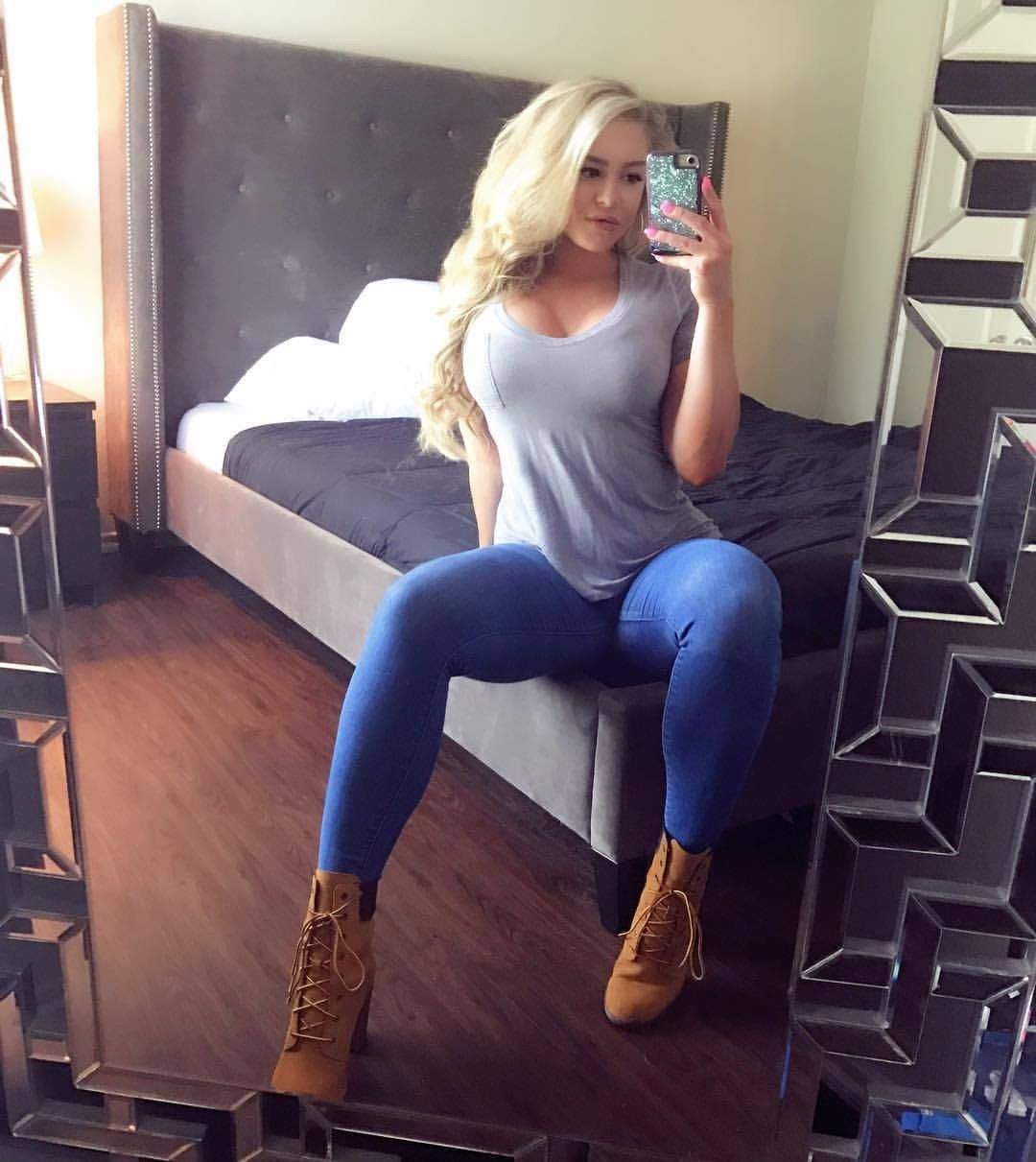 Courtney Tailor Hot photo 12