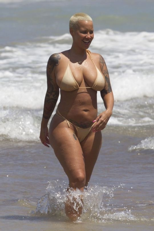 Amber Rose Toples photo 22