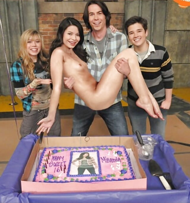 Carly From Icarly Naked photo 3