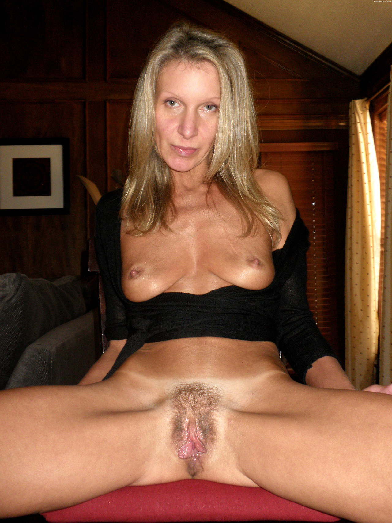 Hairy Wife Pussy photo 3