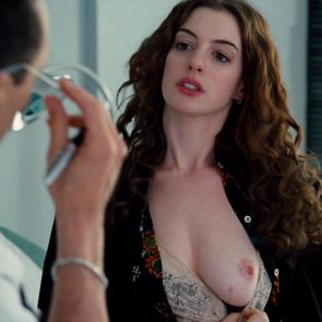 Anne Hathaway Leaked Pictures photo 15