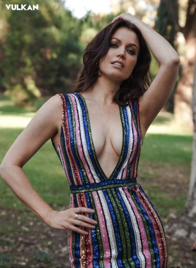 Bellamy Young Sex photo 10