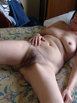 Hairy Wife Pussy photo 11