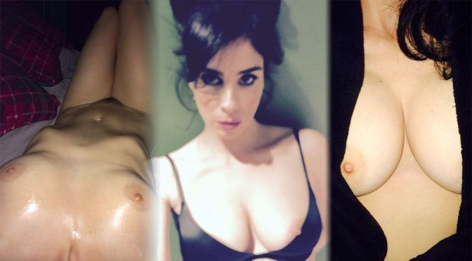 Hot Celebs Topless photo 10