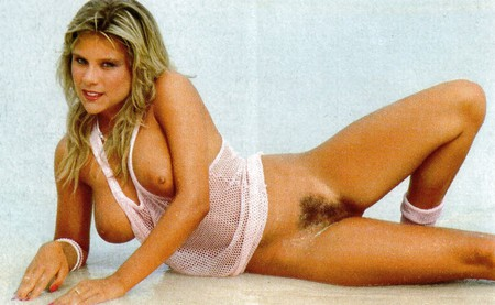 Samantha Fox Nude Picture photo 5